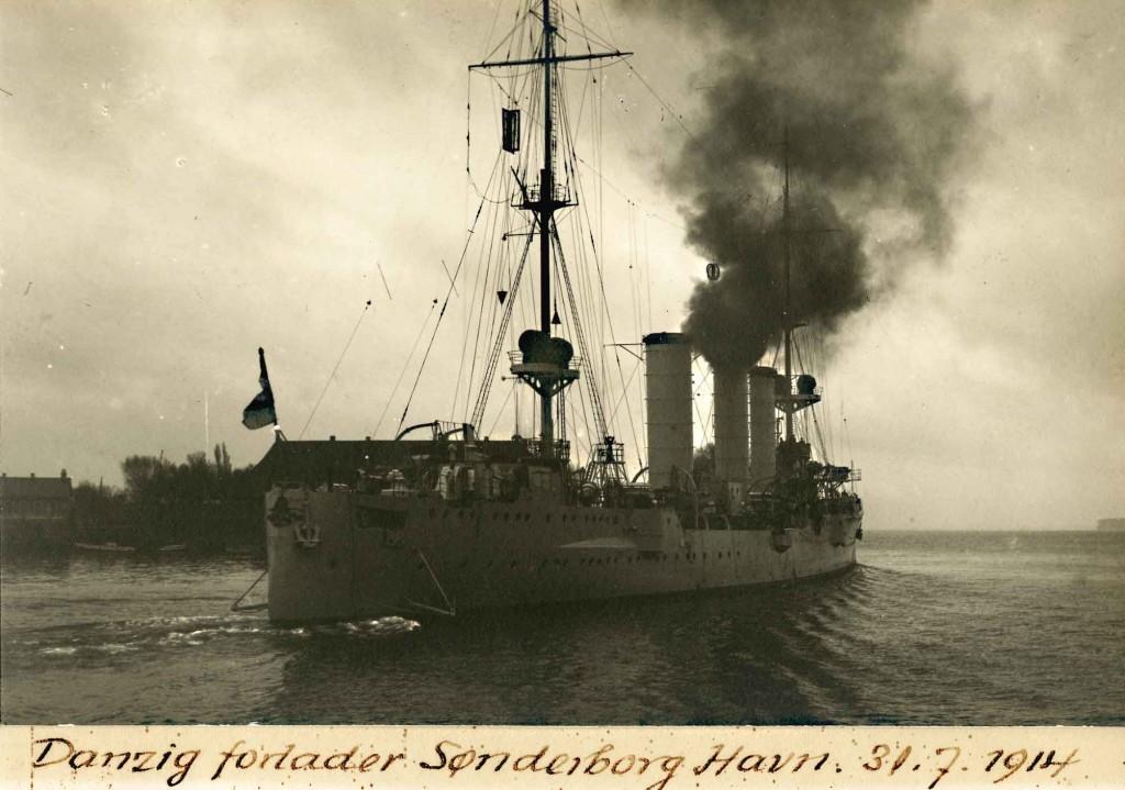 SMS Danzig forlader Sønderborg havn