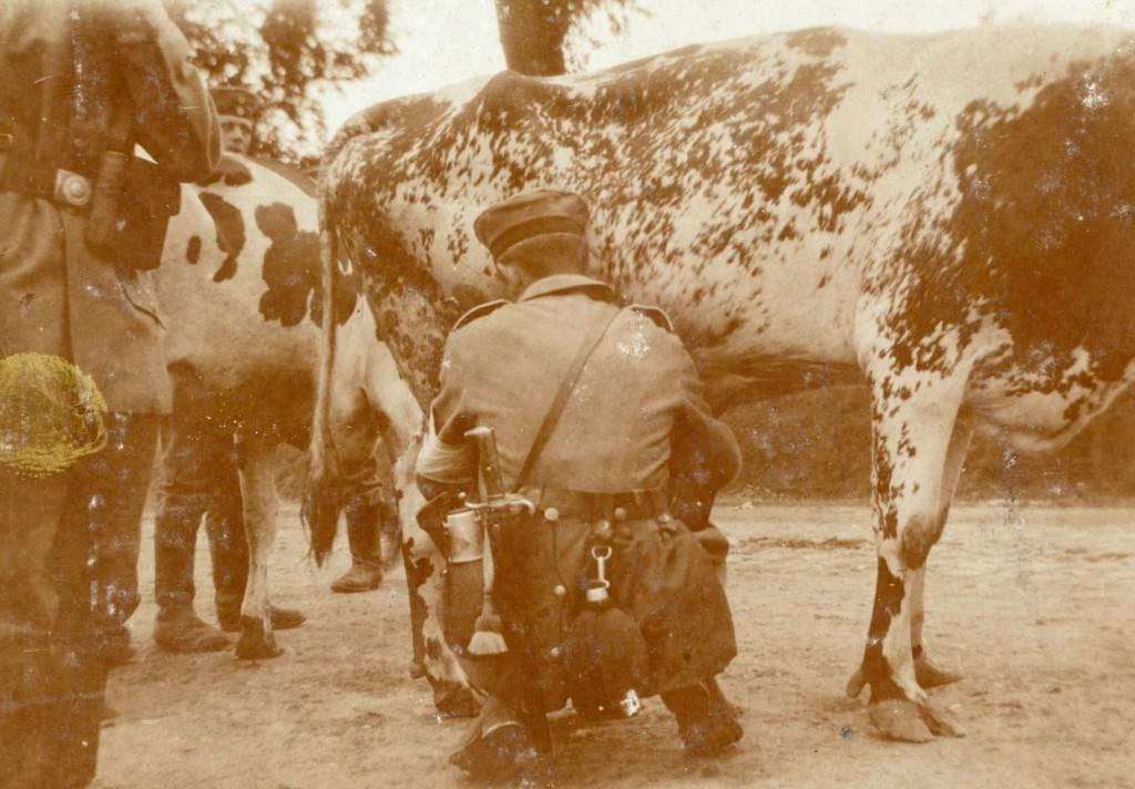 1914-09-18 Malkende_soldat