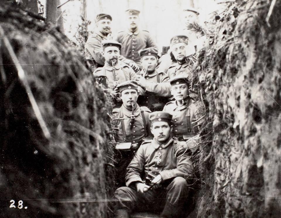 86ere i en skyttegrav Dreslincourt 1914