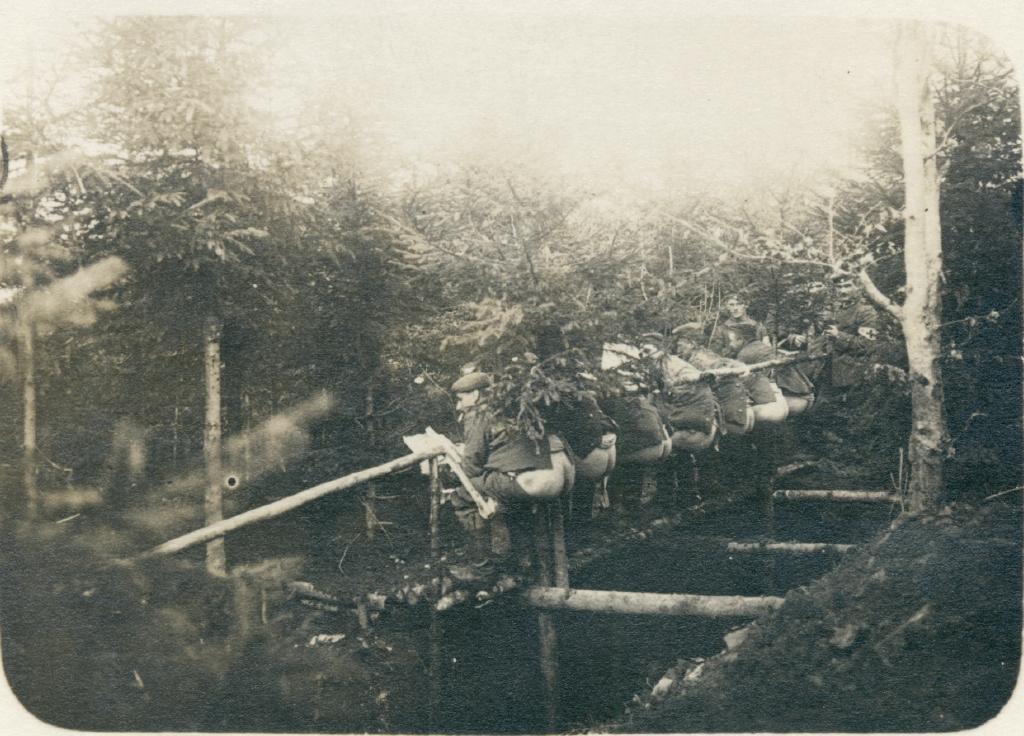Soldater på feltlatrin