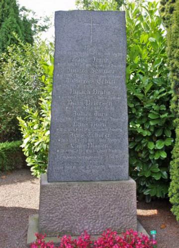 Mindesten, Hjerndrup Kirkegård