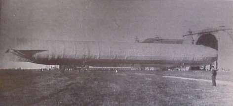 Zeppelin-luftskibet L7 i Tønder. Tønder Zeppelin- og garnisonsmuseum.