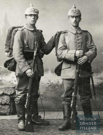 Paul Heinrich August Otto Kertsen (1897-1915) (til venstre) og hans bror Carl Friedrich Franz Kersten (1893-1916) begge Sønderborg