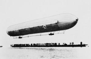 First_Zeppelin_Bodense_1900