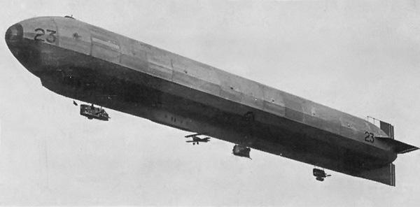 HMA_R_23_Airship_With_Camel_1917