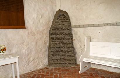Mindesten, Hellevad Kirke