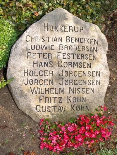 Mindesten, Holbøl Kirkegård med Ludwig Brodersens navn
