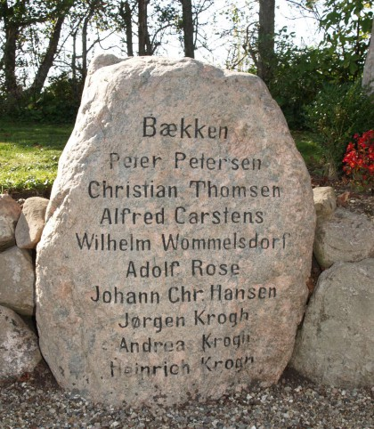 Mindesten, Rinkenæs Gammel Kirkegård over brødrene Jørgen, Andreas og Heinrich Krogh