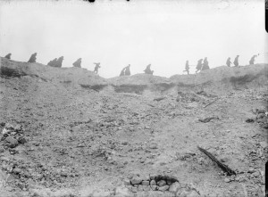 Troops_passing_Lochnagar_Crater_Oct_1916